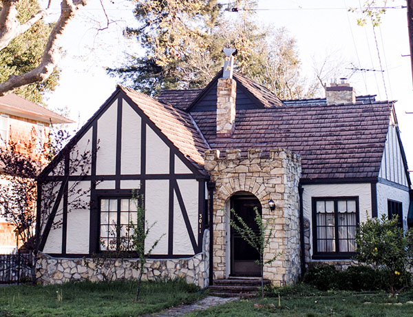an image of a country house